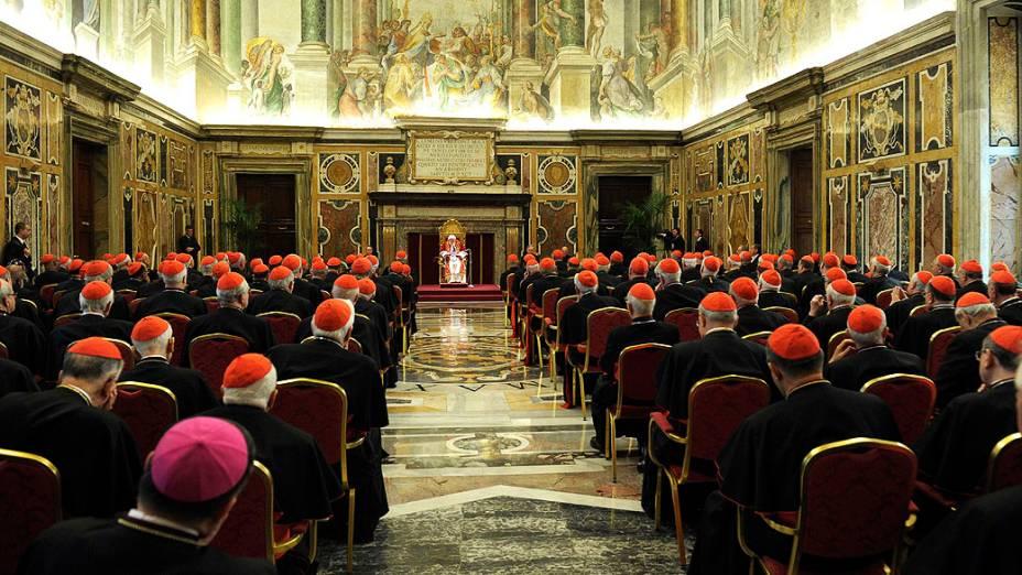 Papa Bento XVI durante a última reunião com os cardeais, no Vaticano