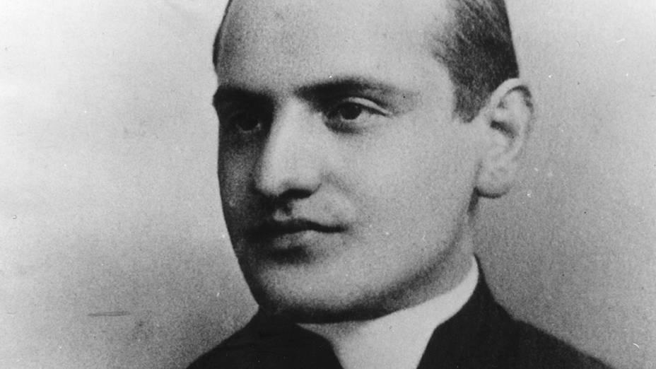 1905 - Angelo Giuseppe Roncalli, futuro papa João XXIII