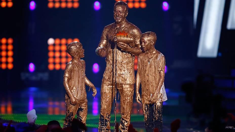 David Beckham e os filhos Romeo e Cruz, durante o Nickelodeon Kids Choice Sports Awards, em Los Angeles, Califórnia