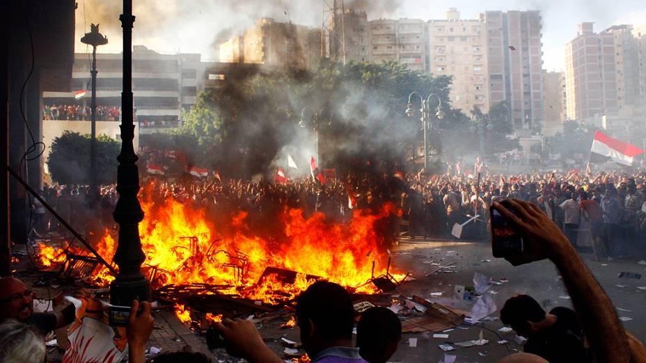 Opositores do presidente do Egito, Mohamed Mursi, protestam em Alexandria pela sua renúncia, na sexta-feira (28/07/2013)