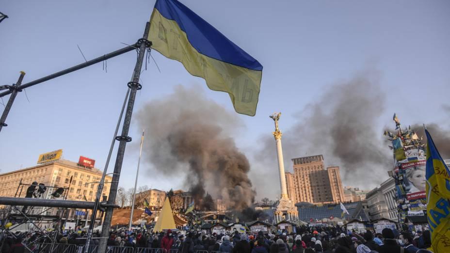 Manifestantes protestam contra o governo em Kiev, na Ucrânia