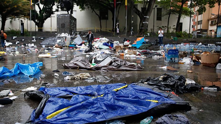 O acampamento de manifestantes anti-governo foi desmantelado pela Guarda Nacional Venezuelana em frente à sede da ONU, em Caracas