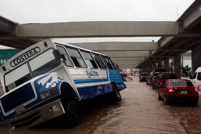 internacional-tempestade-tropical-mexico-20130916-001-original.jpeg