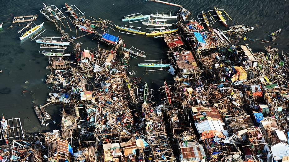 Imagem aérea da cidade de Guiuan, na província de Samar, nas Filipinas