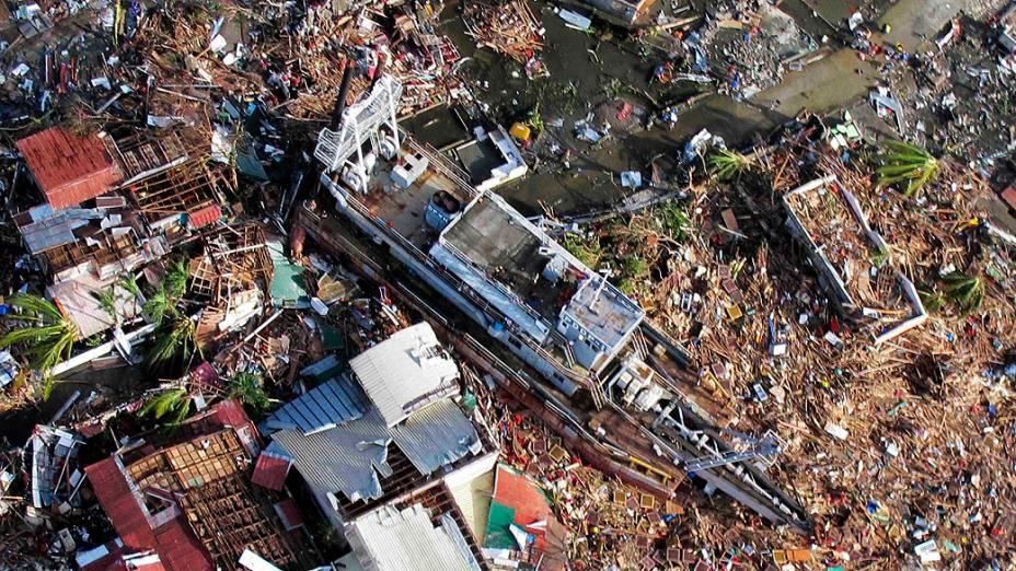 Imagem aérea da cidade de Tacloban, nas Filipinas