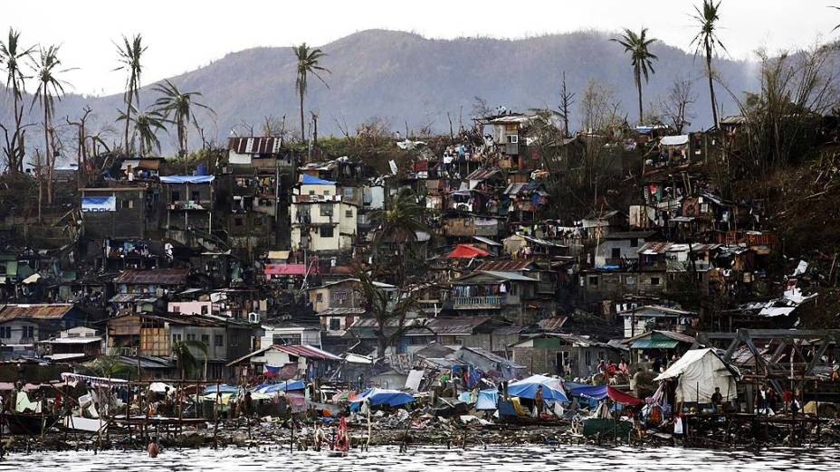 Imagem mostra destruição na cidade de Tacloban, na província de Leyte
