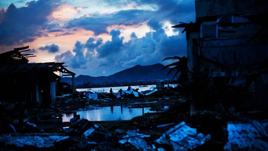 Cenário é de terra arrasada em Tacloban, nas Filipinas
