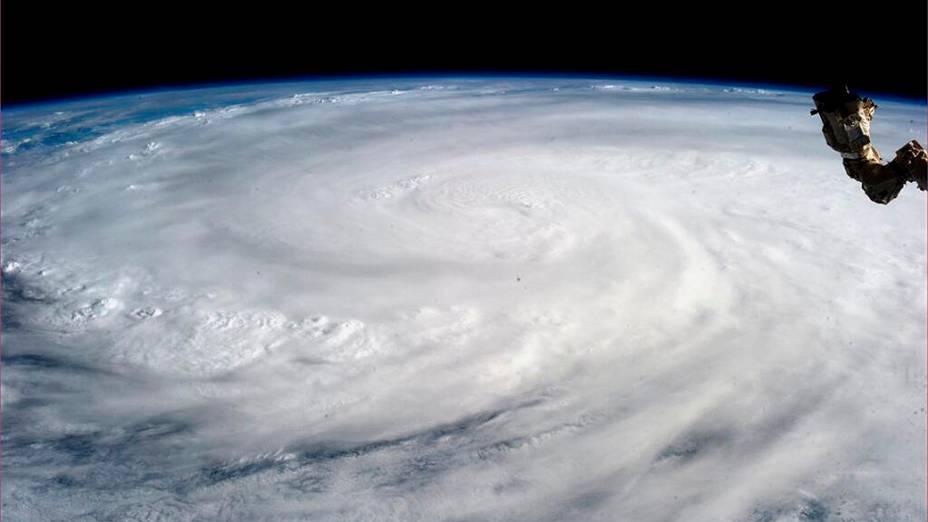 Tufão Haiyan em imagem obtida a partir da Estação Espacial Internacional