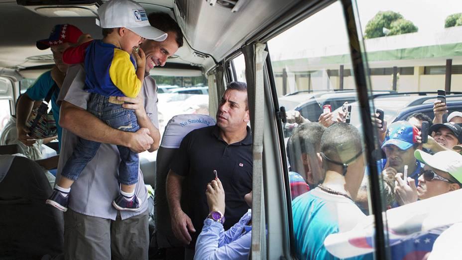 Henrique Capriles, candidato da oposição, durante visita ao Vale da Páscoa, em Guarico, no dia 21/03/2013