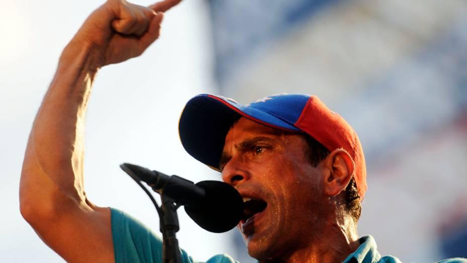 Candidato a presidente Henrique Capriles, durante campanha em Maracay, na Venezuela