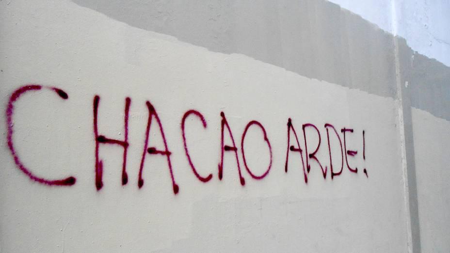 Muro é pichado em Caracas como forma de protesto contra o governo de Maduro, na Venezuela