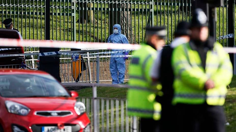 Equipe de investigação trabalha no local do ataque a um soldado em Woolwich, na capital britânica