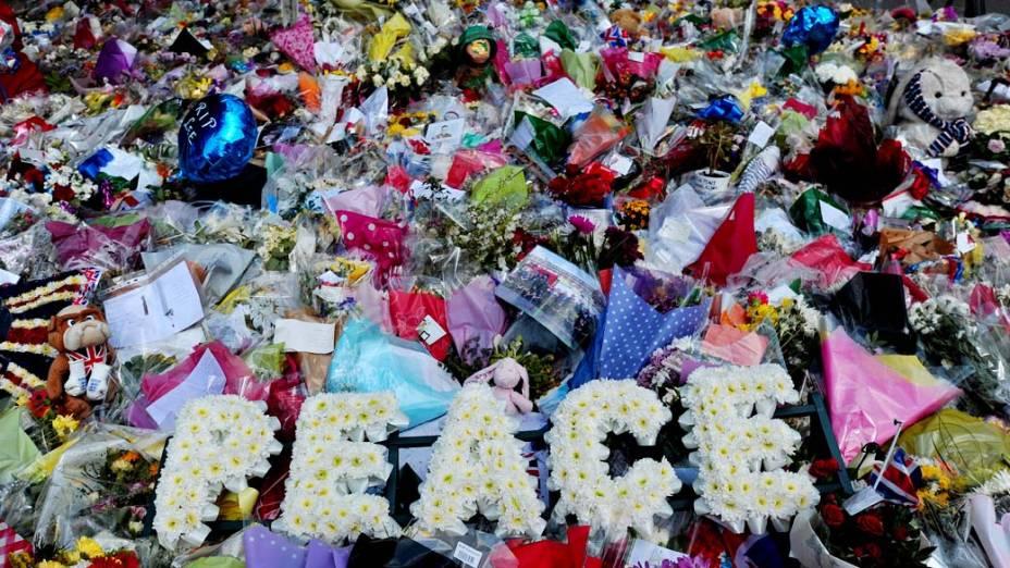 Homenagens prestadas ao soldado que foi assassinado em Woolwich, em Londres