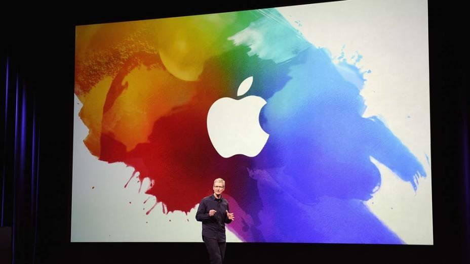 Tim Cook, CEO da Apple, discursa durante o evento em São Francisco, nos Estados Unidos, em 2012