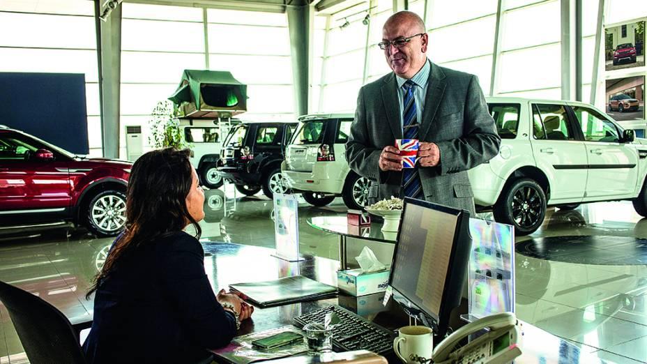 O britânico Chris Ward, gerente da concessionária da Jaguar e Land Rover em Erbil