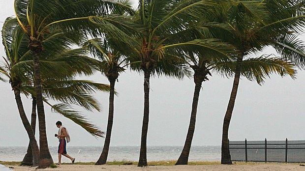 Ventos fortes e chuvas torrenciais na região de Florida Keys
