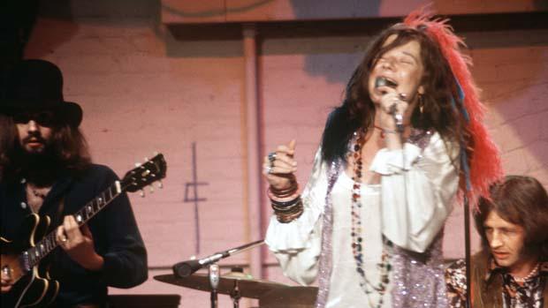 Janis Joplin se apresenta no programa The Dick Cavett Show, em maio de 1970