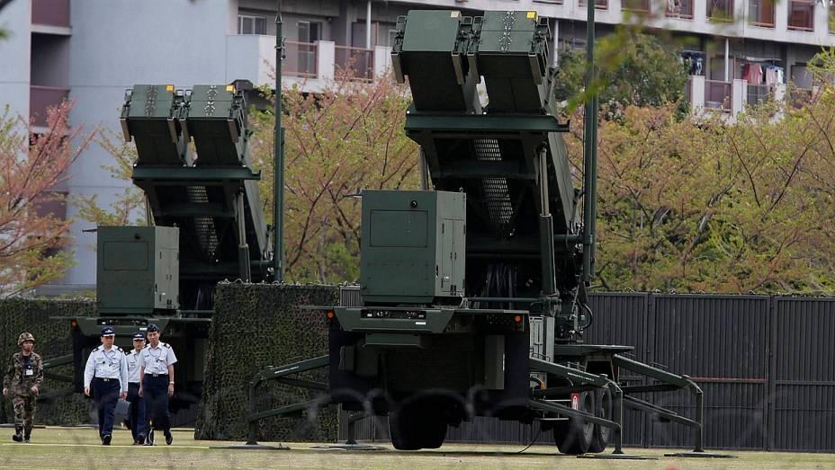 Sistema antimísseis instalado no Ministério da Defesa japonês: país preparado para eventual ataque norte-coreano