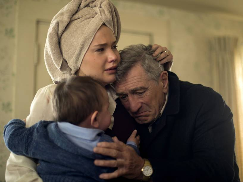 Jennifer Lawrence e Robert De Niro no filme Joy: O Nome do Sucesso