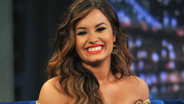 Demi Lovato em visita ao programa de Jimmy Fallon, em 2011