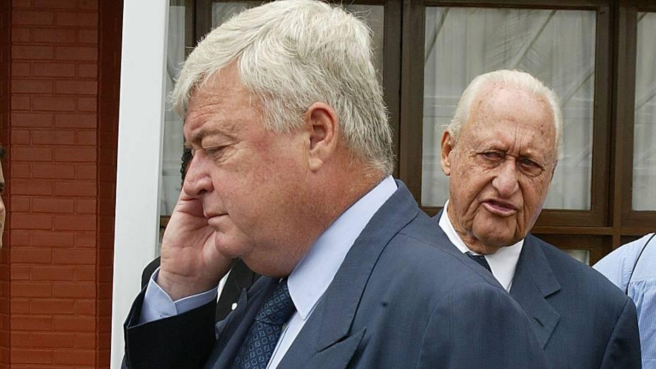 Ricardo Teixeira (à frente), presidente da CBF e João Havelange, presidente da FIFA em 2005