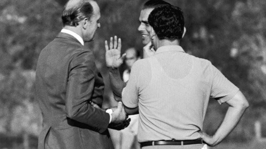 João Havelange, João Saldanha e Antônio do Passo durante treino da seleção brasileira, em 1969