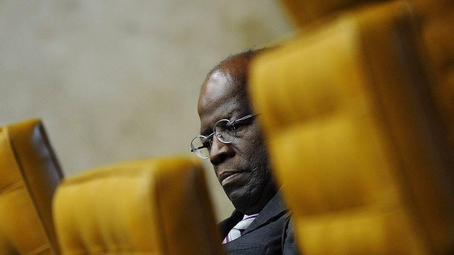 Ministro Joaquim Barbosa, relator, durante o julgamento do mensalão, em 10/10/2012