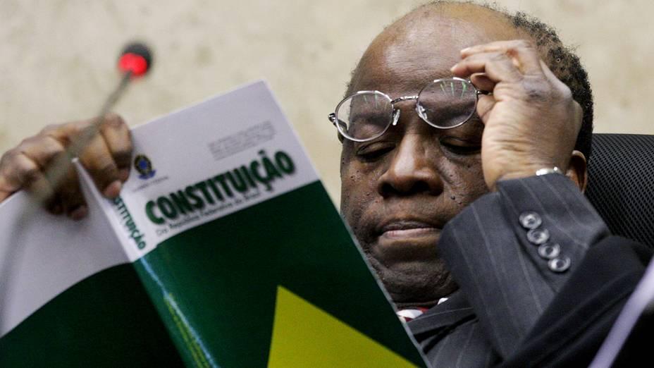 STF discute cassação de deputados condenados pelo mensalão, em 10/12/2012