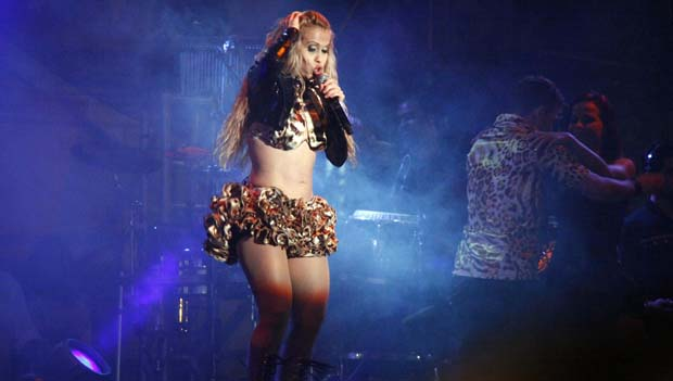 Joelma, da Banda Calypso, na festa junina do Retiro dos Artistas, em 2010