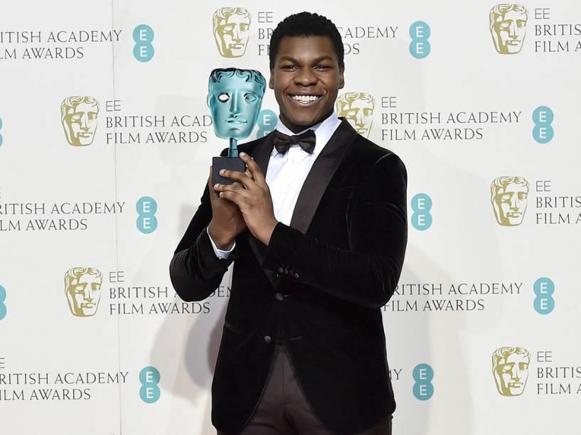 John Boyega, de 'Star Wars', vence o prêmio de artista revelação no Bafta 2016