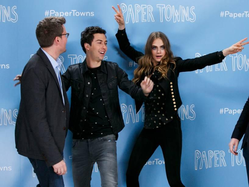 John Green, Nat Wolff e Cara Delevingne em pré-estreia de Cidades de Papel