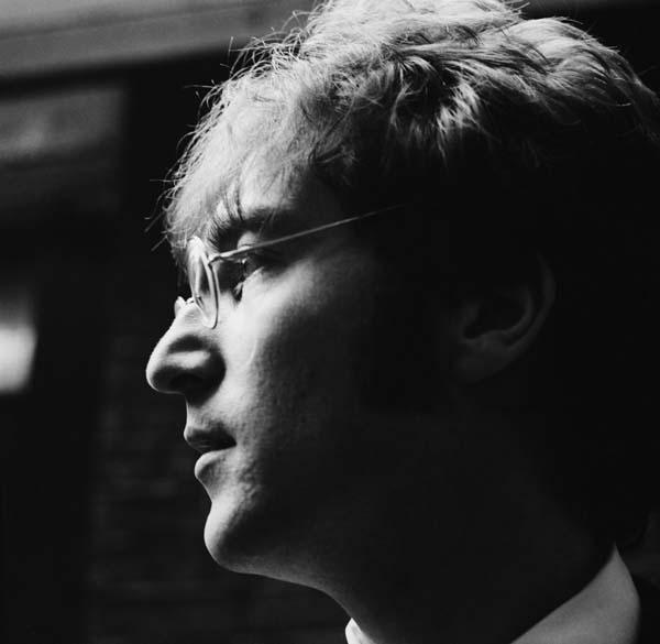 John Lennon, em junho de 1967