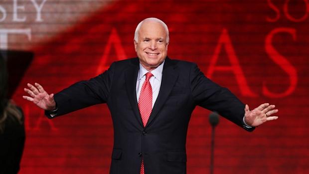 Derrotado por Obama em 2008, John McCain discursou em apoio a Romney na Convenção Nacional Republicana
