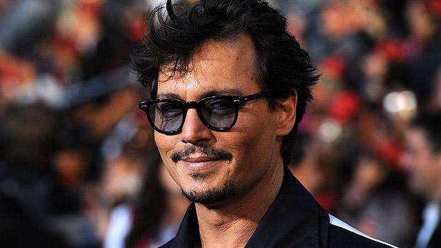Johnny Depp durante o lançamento de Piratas do Caribe: Navegando em Águas Misteriosas