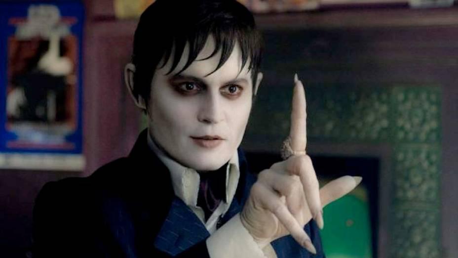 Johnny Depp como vampiro no filme Sombras da noite