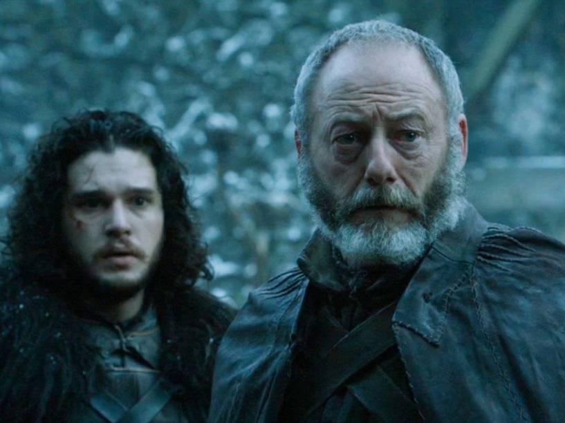 Jon Snow (Kit Harington) e Sir Davos (Liam Cunningham) em Game of Thrones<br>