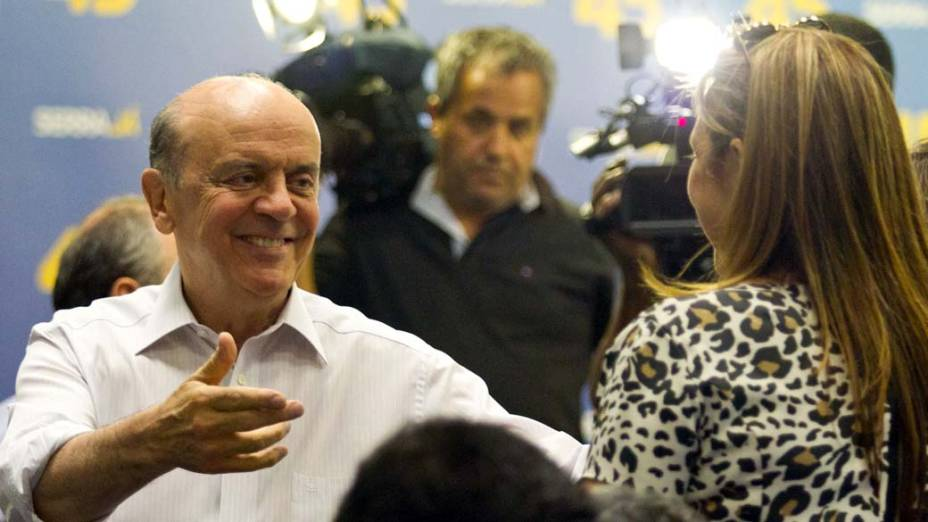 José Serra em encontro com os vereadores eleitos, em 09/10/2012
