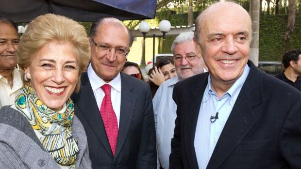 O candidato do PSDB à prefeitura, José Serra, visita hospital ao lado do governador Geraldo Alckmin