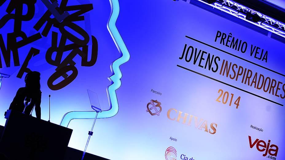 A apresentadora do Prêmio Jovens Inspiradores 2014, Rosana Jatobá