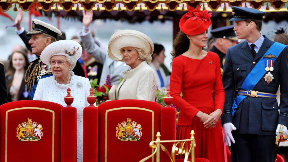 Rainha Elizabeth II com a Família Real, em Londres