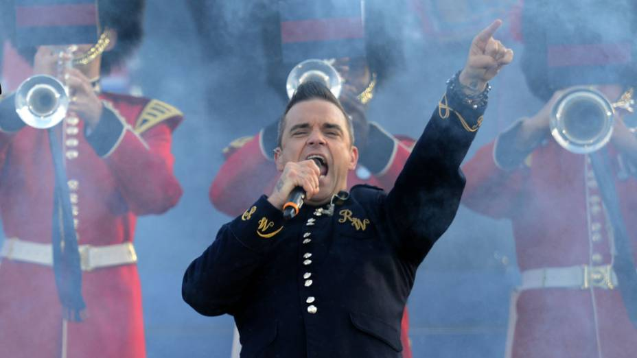 O cantor Robbie Williams durante show no Palácio de Buckingham