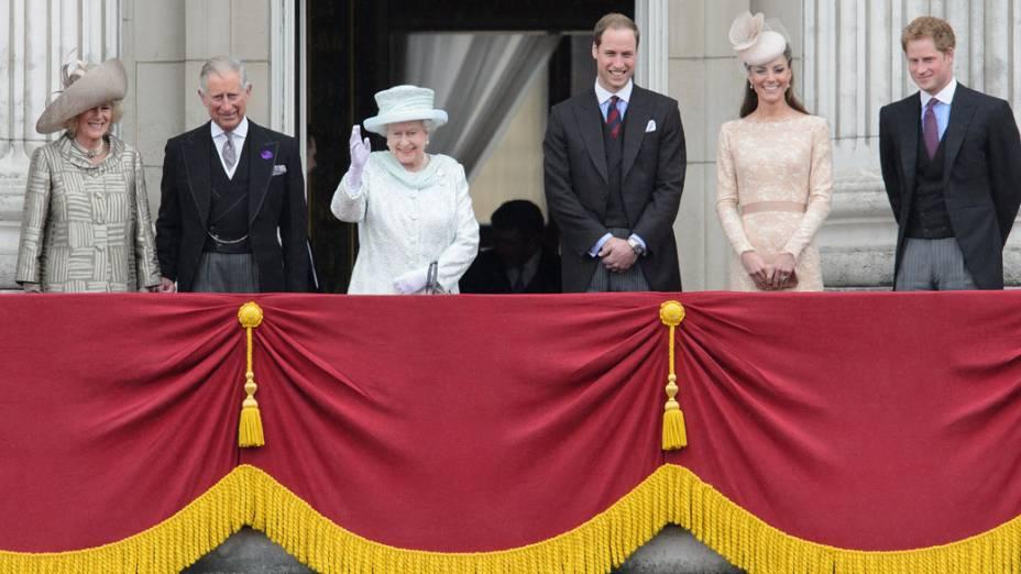 Família Real no último dia das comemorações do jublieu de diamante da Rainha Elizaberth II