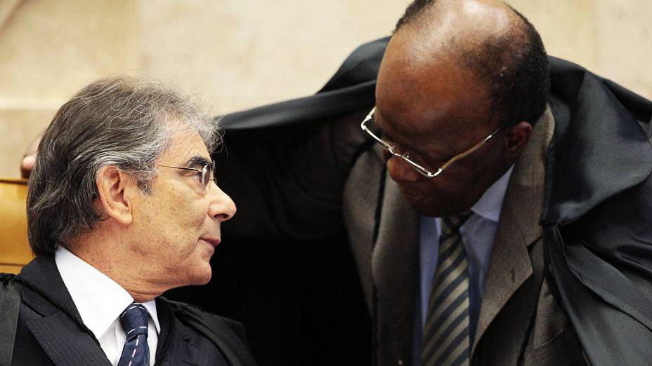 Presidente e vice-presidente do STF no julgamento do mensalão, em 09/08/2012