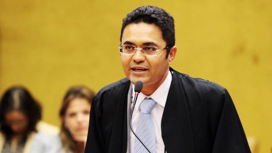 O advogado Marcelo Leal de Lima Oliveira, defensor de Pedro da Silva Corrêa de Oliveira Andrade Neto, no plenário do STF, durante julgamento do mensalão, em 09/08/2012