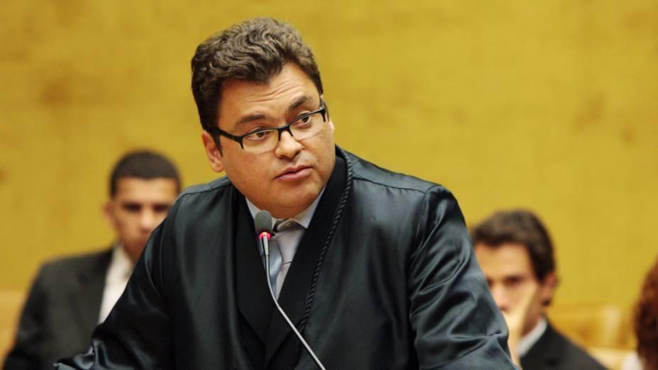 O advogado Maurício Maranhão de Oliveira, defensor de João Cláudio de Carvalho Genu, no plenário do STF, durante julgamento do mensalão, em 09/08/2012