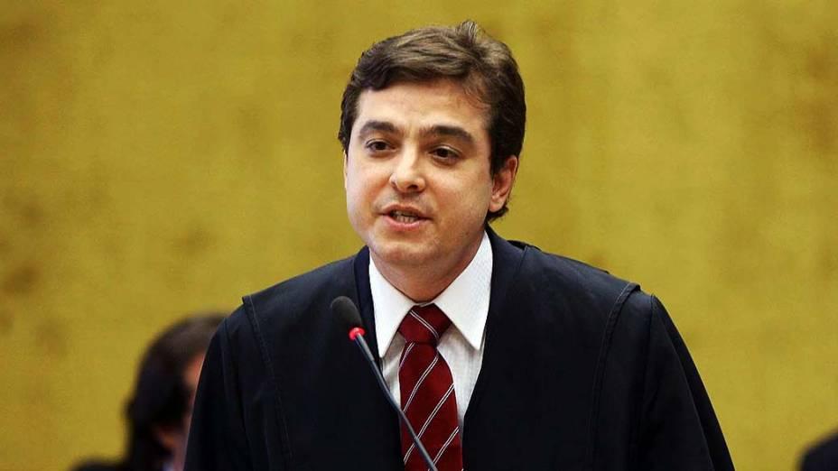 O advogado de defensa de Anita Leocádia Pereira da Costa durante julgamento do mensalão, em 14/08/2012