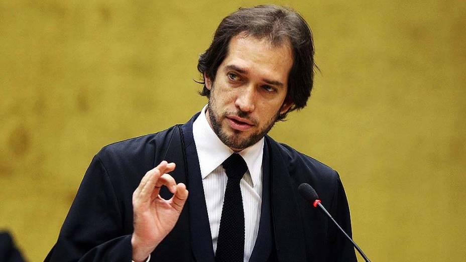 O advogado Pierpaolo Bottini, defensor de Luiz Carlos da Silva (Prof. Luizinho) durante julgamento do mensalão, em 14/08/2012