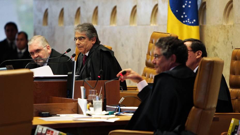 Ministros durante o décimo dia do julgamento do mensalão, em 15/08/2012