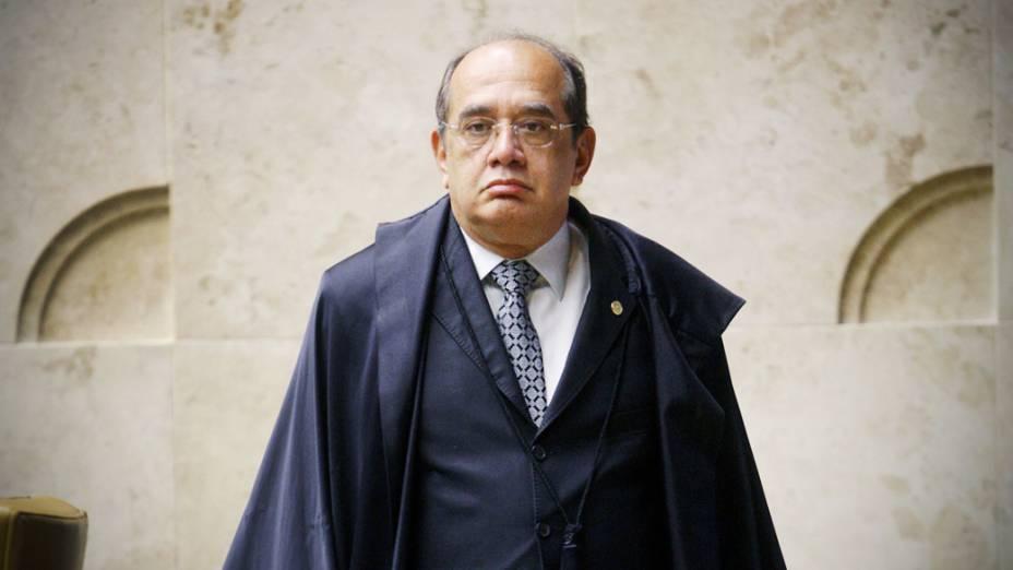 Ministro Gilmar Mendes durante sessão que julga o mensalão