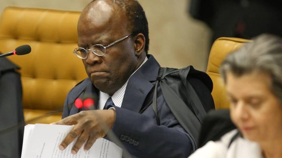 Ministro Joaquim Barbosa retoma o julgamento do mensalão com os votos dos ministros sobre as acusações de lavagem de dinheiro no Banco Rural, em 13/09/2012